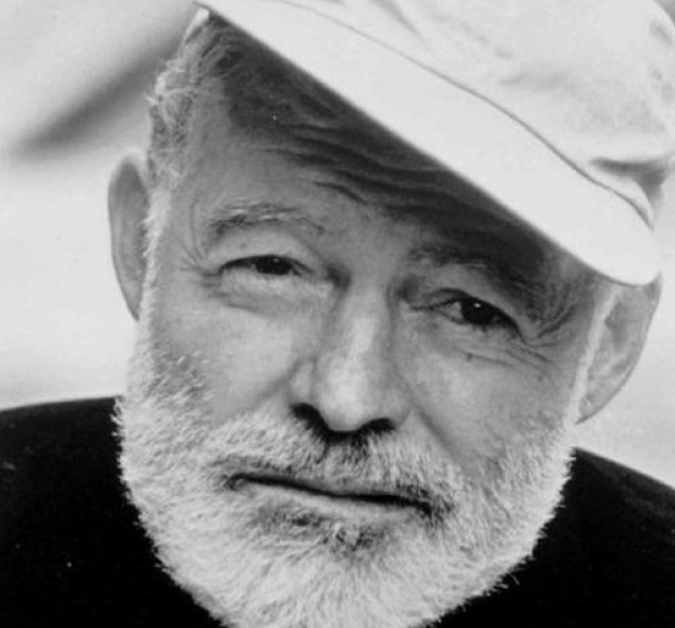 a biography of the life and writing career of ernest miller hemingway