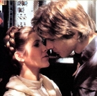 Sărutul din Star Wars:The Empire Strikes Back dintre Han Solo (Harrison Ford) şi Prinţesa Leia (Carrie Fisher)