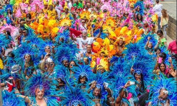 Costume la Carnavanul Notting Hill