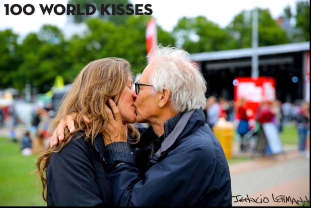 100 world kisses