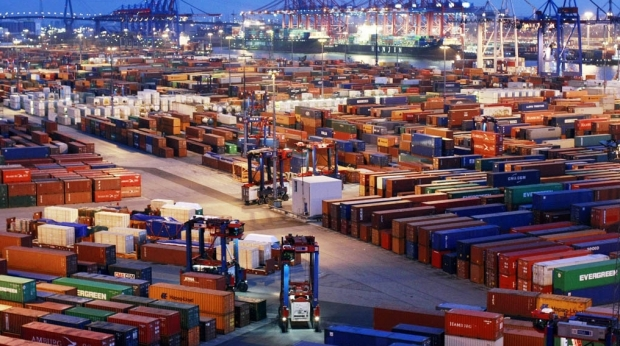 China, surplus comercial record