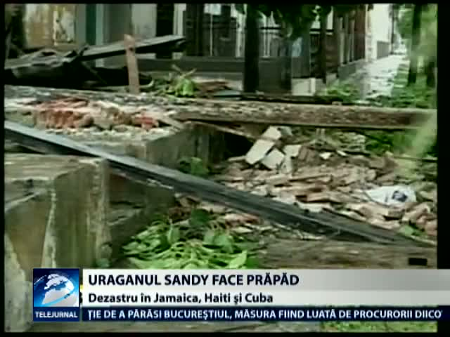 Uraganul Sandy face prapad in Caraibe