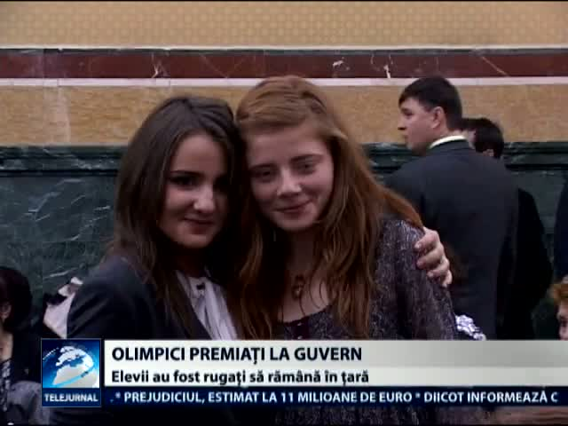 Olimpici internationali premiati la Guvern