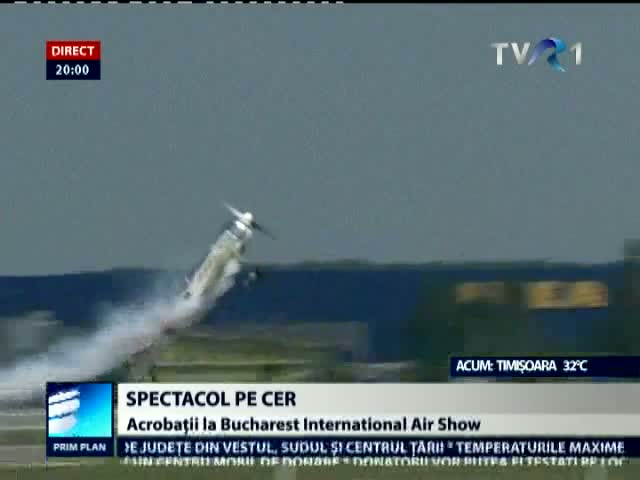 Acrobaţii spectaculoase la Bucharest International Air Show