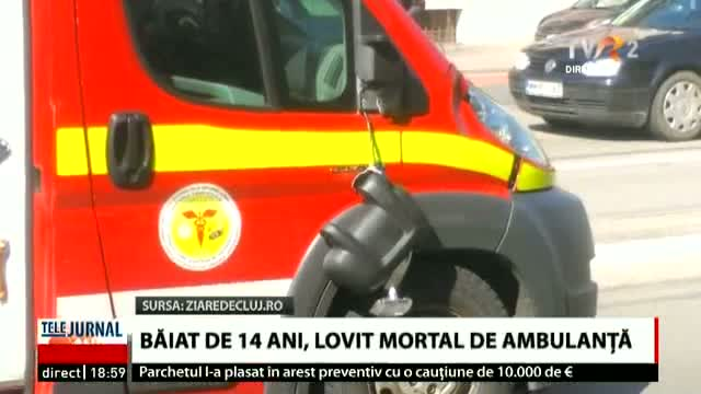 Lovit mortal de ambulanță