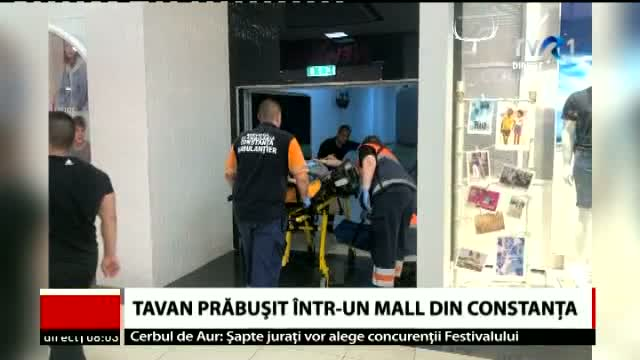 Tavan prăbusit in mall