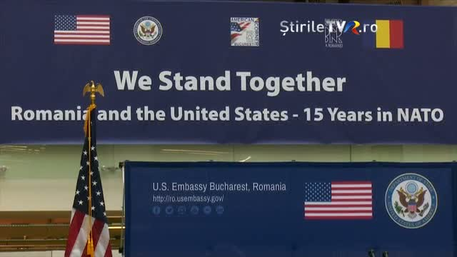 """We Stand Together"". Expoziție la Biblioteca Națională"