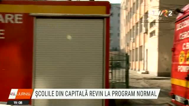 Școlile revin la program normal