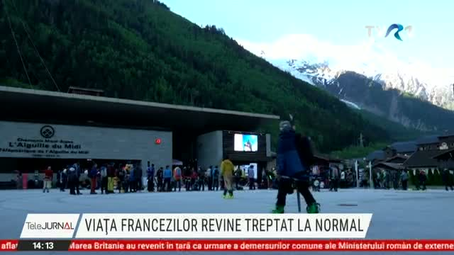 Viața francezilor revine traptat la normal