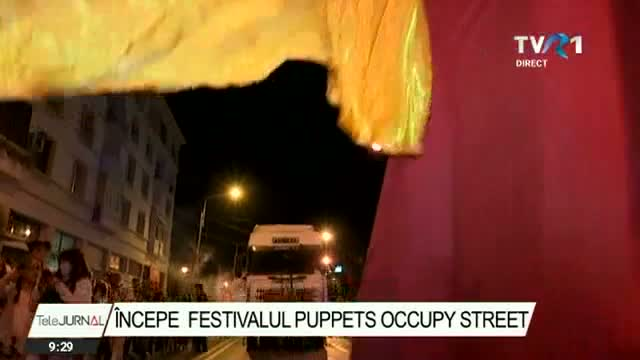 Puppets Occupy Street!